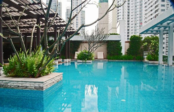 baan-siri-24-bangkok-condo-for-sale-swimming-pool-3
